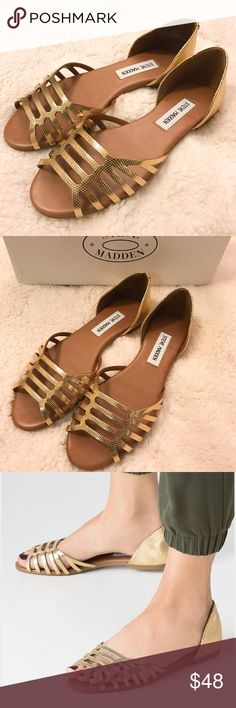 Steve Madden 'Louisa' (Gold) Sandal sz 6 NIB Steve Madden 'Louisa' (Gold) Sandal sz 6 NIB ✨ These are brand new, in the box, never been worn. 🚫NO TRADES 🚫NO PAYPAL Steve Madden Shoes Sandals