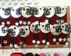 Moon craft idea for kids Moon Crafts, Bear Crafts, Bunny Crafts, Animal Crafts, Easter Crafts, Mazes For Kids, Worksheets For Kids, Crafts For Kids, Space Theme Classroom