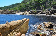 Piste de Tsitsikamma, Afrique du Sud - Cette piste de 64 kilomètres sillonne entre les gorges de granite, les cols herbus et de nombreux cours d'eau. De multiples rivières s'écoulent des montagnes vert sombre de la côte méridionale.