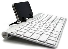 You can use ANY bluetooth keyboard with your iPhone or iPad. | 19 Mind-Blowing Tricks Every iPhone And iPad User Should Know