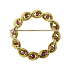 Pre-owned Tiffany & Co. 18K Yellow Gold Ruby Wreath Pin (56 780 UAH) ❤ liked on Polyvore featuring jewelry, brooches, preowned jewelry, tiffany co jewelry, tiffany co jewellery, ruby jewelry and pre owned jewelry