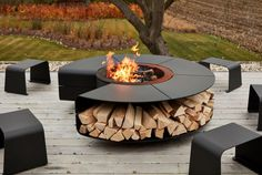 Our multifunctional outdoor design Rocco in full autumn glory! Modern Outdoor Fireplace, Outdoor Fireplace Designs, Backyard Patio Designs, Backyard Landscaping, Pool House Designs, Modern Backyard, Outside Fire Pits, Outdoor Fire Pits, Sunken Fire Pits