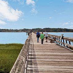 Weekend in Beaufort, South Carolina | Coastal Living | Photographer: Peter Frank Edwards | On the island-dotted coast between Charleston and Savannah lies a Lowcountry gem. The South Carolina town of Beaufort (pronounced BYEW-furt), at the east end of Port Royal Island, combines Southern warmth and a history as piquant as Beaufort stew (a spicy seafood boil). #SCLowcountry #BeaufortSC #PortRoyalSc #TheSands