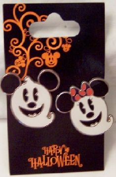 Disney Mickey Minnie Halloween Ghosts Pin Set 2 Pc. New On Card $23.99