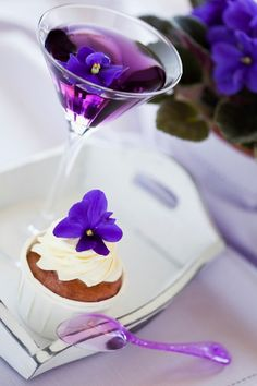 Top 5 purple wedding ideas - the classic cocktail Purple Rain