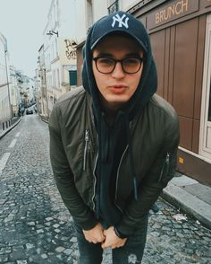 Read *Blake Steven from the story Chicos Para Tus Novelas by MyDreamNeverDie (Wakey Boom) with reads. Nombre: Blake Steven P. Blake Steven, Boy Fashion, Mens Fashion, Bad Boy Aesthetic, Sharp Dressed Man, Fine Men, Man Photo, Good Looking Men, Perfect Man