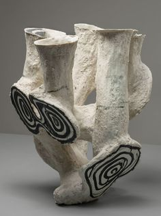 Black and white - vessel experiments - Johannes Nagel - ceramic