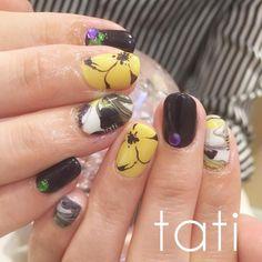 ビッグフラワー シンプルだけど存在感あり。 甘すぎないフラワーもいいですね◡̈♥︎ ・ #nailart #nails#naildesign #design #art #gelnail #ネイルアート#ネイル #ネイルデザイン#指甲 #指甲彩繪 #藝術 #美甲 #design #cool#beauty#nails #tati #네일 #네일아트 #일본네일 #네일트렌드 #젤 #젤아트 #네일디자인