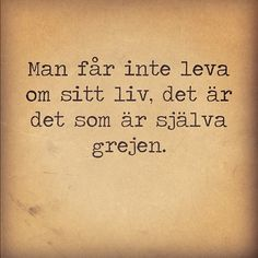 Torka aldrig tårar utan handskar Some Quotes, Words Quotes, Best Quotes, Sayings, Qoutes, B Words, Wise Words, Nice Picture Quotes, Swedish Quotes