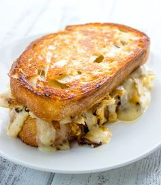How good does this Chipotle Chicken Grilled Cheese look?