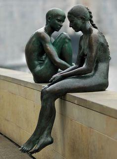 Interesting and funny pictures: Strange Statues Around the World Human Sculpture, Art Sculpture, Garden Sculpture, Art Bizarre, Contemporary Sculpture, Art Plastique, Public Art, Installation Art, Oeuvre D'art