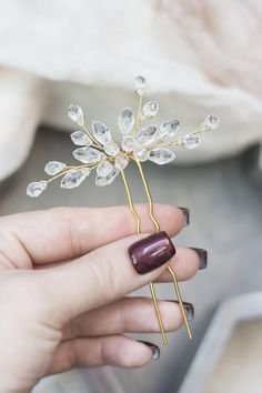 Delicate bridal hairpin gracefully complement Your hairstyle! Be sure Your look will be gorgeous!!!  If any questions, please, don´t hesitate to contact me:)   I ship within1-5 days after recieving the money. Your order will be carefully and safely packed in box.  USA cca 9-27 days Europe cca 9-21