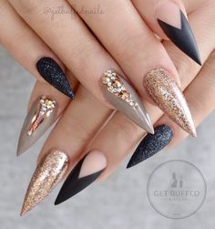 "8,911 Likes, 99 Comments - ⭐️ Sarah ⭐️ (@getbuffednails) on Instagram: "" Foiled  Take 2  I couldn't decide which picture to post, so I posted them all!!…"""
