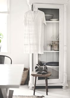 . Interior Decorating, Interior Design, Natural Home Decor, Slow Living, White Wood, Interior Inspiration, Vintage Designs, Sweet Home, Pure Products
