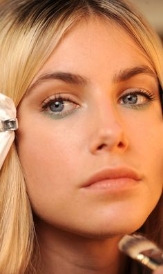 The Only 10 London Fashion Week Beauty Trends That Work in Real Life