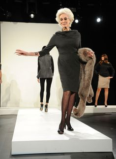 Carmen Dell'Orefice walks the runway for the Vittadini Fall 2011 presentation during Mercedes-Benz Fashion Week at Lincoln Center, February 2011 in NYC. Carmen Dell'orefice, Stylish Older Women, Older Women Fashion, Womens Fashion, Fashion 2017, Francesco Scavullo, 50 And Fabulous, Older Models, Richard Avedon