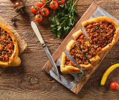 Turkish pide pizza with meat and cheese, home made. Lamb Recipes, Curry Recipes, Chili Recipes, Pide Bread, Panang Curry Recipe, Turkish Pizza, Empanadas Recipe, Meat And Cheese, Food Categories