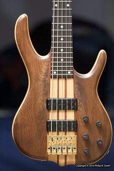 fuckyeahbassguitars: Ken Smith bass