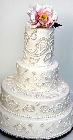 "The ""Paisley Pearl"" #wedding #cake was inspired by the #paisley (karee) embroidery on a sari. By Elizabeth's Cake Emporium, via Flickr."