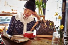 Susie Lau from Style Bubble takes on London with the Louis Vuitton Amble iPhone App (via Style Bubble)