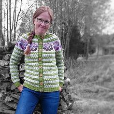 Ravelry: Damejakken Stril med stil pattern by Pinneguri Fair Isle Knitting, Ravelry, Sweaters, Pattern, Fair Isles, Design, Knits, Crochet, Fashion