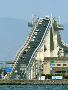 Then you definitely wouldn't want to cross Eshima Ohashi bridge in Japan. This roller coaster-style bridge spans across Lake Shimane, Tottori, Cadiz, Places Around The World, Around The Worlds, Ing Civil, Scary Bridges, Dangerous Roads, Japan Photo