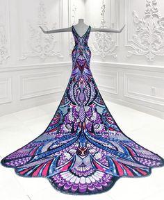 Ebbene sì, il vestito indossato da Aishwarya Rai sul red carpet di Cannes 2018 ha richiesto un lavoro di ben 3000 ore, cioè 125 giorni