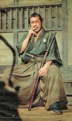 Toshiro Mifune, one of Japan's most famous Samurai actors. Toshiro Mifune, Samurai Art, Samurai Warrior, Japanese Culture, Japanese Art, Geisha, Akira, Bushido, Arte Ninja