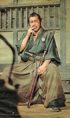 """antipahtico: """"  Toshiro Mifune """" 侍もタバコ吸うんだな〜マイルドセブンか?"""