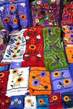 Mexican handstitch: beautiful table runners