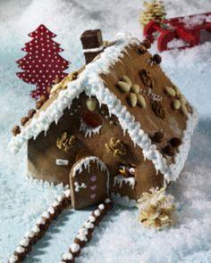 Lebkuchen-Knusperhäuschen mit Nüssen