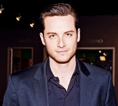 I guess his eyes just twinkle. Jesse Lee Soffer love him on Chicago PD!