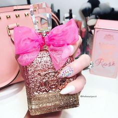 🙌🏼 FINALLY in my hand VivaLaJuicy Rose'!! @fragrancenet has ALL the amazing perfumes available for a UNBELIEVABLE prices. This will be my new favorite!! I can't even begin to describe the scent-it's heaven!!!💗💗✨💗💗 #juicycouture #vivalajuicyrose #fragrancenet #potd #beauty #nails #nailsonfleek #nailhurnails #instadaily #instalike #beautyguru #rosegold #makeupporn #nailsoftheday #igers #instagood