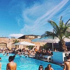 28 Grad Ab an den Pool #mood #sundaysbest
