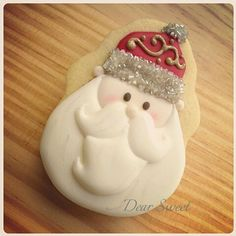 Santa's Face Cookie // D. Holiday Cakes, Holiday Treats, Christmas Treats, Christmas Baking, Christmas Fun, Santa Cookies, Christmas Sugar Cookies, Cute Cookies, Gingerbread Cookies