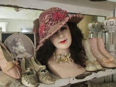 STUNNING Rare Antique Victorian Purple Velvet Brimmed Cloche Hat With Pink Metallic Ribbonwork