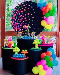 Sleepover Birthday Parties, Birthday Party For Teens, 14th Birthday, Sweet 16 Birthday, Glow Party, Glow In Dark Party, Diy Party, Birthday Party Design, Girl Birthday Themes