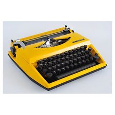 Triumph Tippa Daktilo. Made in Germany.   370TL   #oraetc #vintage #retro #love #eski #eskici #eskiesya #antik #antika #antique #alışveriş #alisveris #followme #turkey #istanbul #kadıköy #moda #takip #old #obje #midcentury #design #ikinciel #klasik #classic #fiyat #dekorasyon #triumph #daktilo #typewriter by oraetc