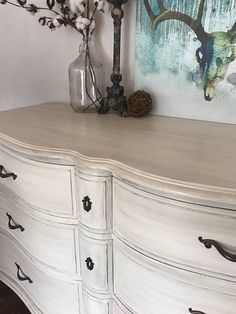 Shabby Chic Home Decor Bedroom Furniture Makeover, Painted Bedroom Furniture, Distressed Furniture, Refurbished Furniture, Chalk Paint Furniture, Shabby Chic Furniture, Diy Furniture, Diy Dresser Makeover, Furniture Buyers
