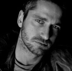 Gerard Butler is by far my favorite male actor or better yet my favorite celebrity crush.
