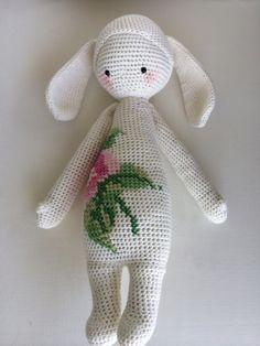 RITA the rabbit made by Silvia M. / crochet pattern by lalylala
