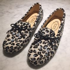 TOD'S animal print loafers - size 37 ✨✨ NEVER WORN! In perfect condition. Classic Tod's loafers with tie. Animal printed ✨✨ Tod's Shoes Flats & Loafers