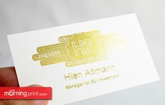 MorningPrint's linen #businesscard stock with an over sized foil accent and embossing.
