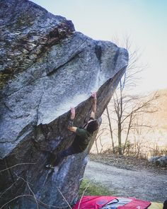 Wintertime is ticino time! I stayed in my van during the vacation in ticino. Vanlife & Climbing is probably the best combination to relax and free your mind! Winter Time, Van Life, Bouldering, Climbing, Life Hacks, Relax, Tours, Australia, Vacation