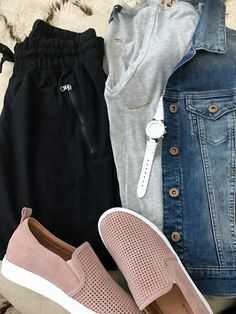 Casual outfit inspiration | cozy crop joggers, tee shirt and blush pink slip on sneakers, jean jacket perfect for travel