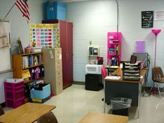 Middle School classroom organization blog.  I love visiting classrooms as a substitute to see how different teacher organize their classrooms.  This teacher has pictures and links of great ideas. I will use to make sure my classroom tools and supplies are available within a solid structure.