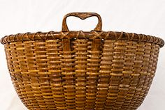 Pronounced carved heart shaped handles and unusual form; most likely used as a sewing basket. Attributed to Charles F. Old Baskets, Vintage Baskets, Sewing Baskets, Wire Baskets, Nantucket Baskets, Fibre And Fabric, Weaving Art, Basket Weaving, Wicker