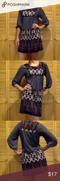 Forever 21 gypsy dress M Gently worn. In perfect condition. Great for summer or with skinny jeans for winter. Forever 21 Dresses Midi