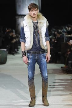 Dsquared2 Men's RTW Fall 2015 - Slideshow Mens Style Looks, Fashion News, Mens Fashion, Fashion 2020, Milan Men's Fashion Week, Denim Art, Mens Fur, Denim Jeans Men, Men Style Tips
