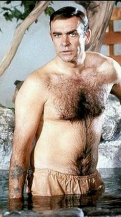 Sean Connery as James Bond in You Only Live Twice Hollywood Men, Classic Hollywood, Sean Connery James Bond, Male Movie Stars, Film Man, Hottest Male Celebrities, Bond Girls, Raining Men, Hot Actors